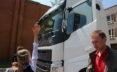 Volvo Trucks заботится о пешеходах и велосипедистах