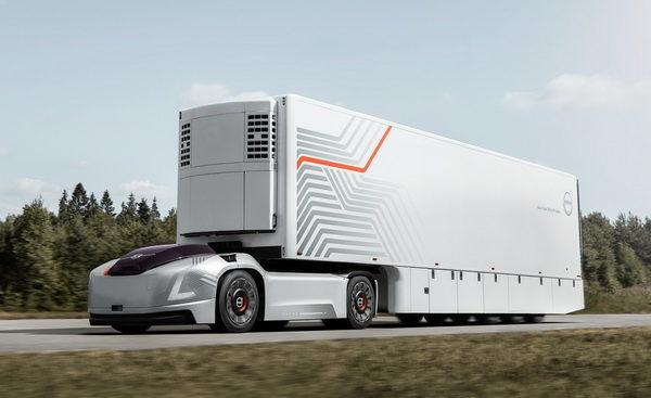 Беспилотный тячаг Vera от Volvo Trucks приступил к работе