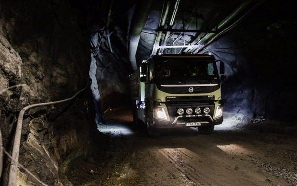Volvo испытали беспилотный грузовик