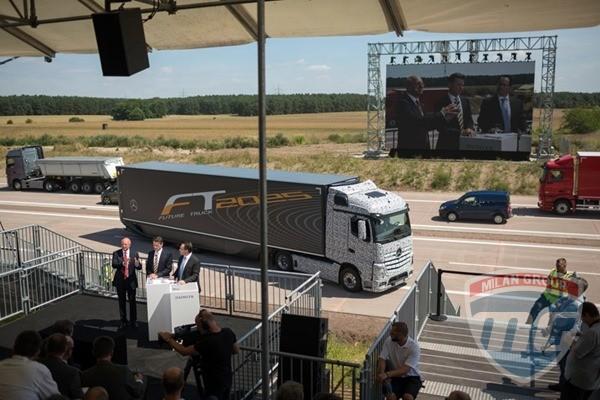 Daimler готовится к испытаниям грузовиков с автопилотом