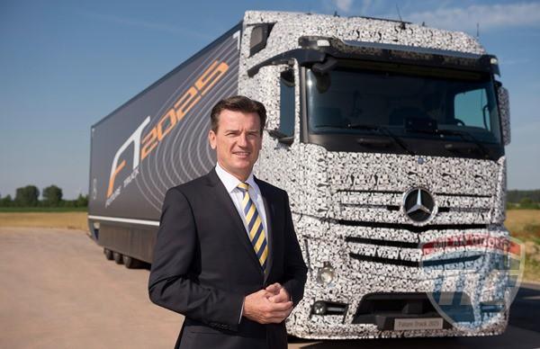 Daimler провели демонстрацию автономного грузовика